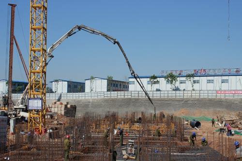西安中铁新城项目部8号楼 西单元筏板基础浇筑完