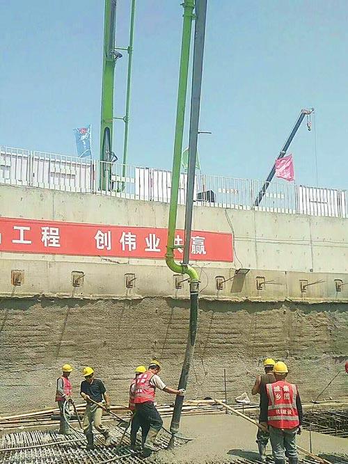中联重科助建北京新