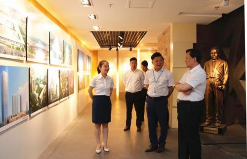 中国建筑装饰协会执行会长、秘书长刘晓