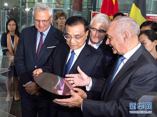 李克强参观比利时微电子
