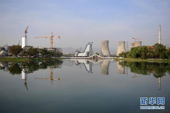 北京冬奥会比赛场馆首钢滑雪大跳台建设完成