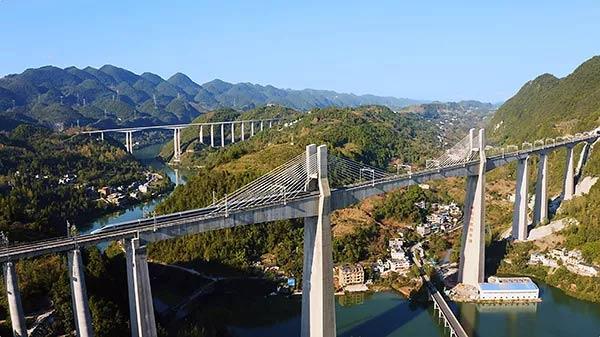 中交三航局参建的黔张常铁路正式开通运营