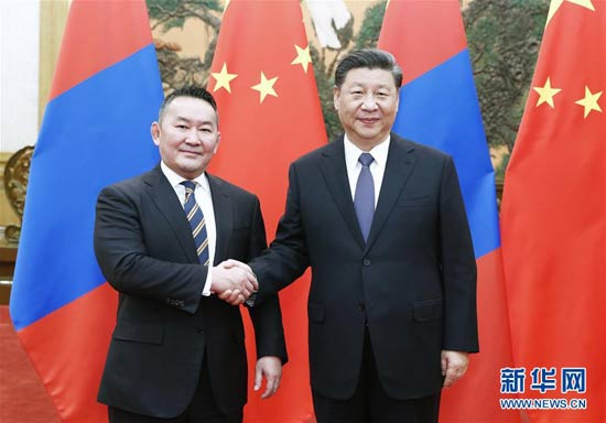 习近平同蒙古国总统巴特