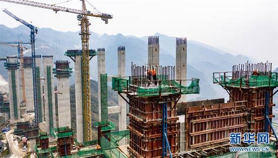 贵州遵义:团结大桥复工忙