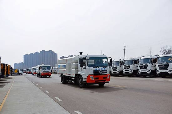两千万徐工环卫装备批量发往广东!