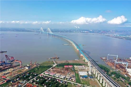 二航造!刷新多项世界纪录,沪苏通长江公铁大