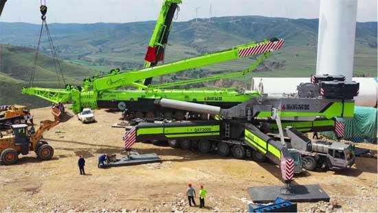 """全球最大吨位轮式起重机""""中联重科风之"""
