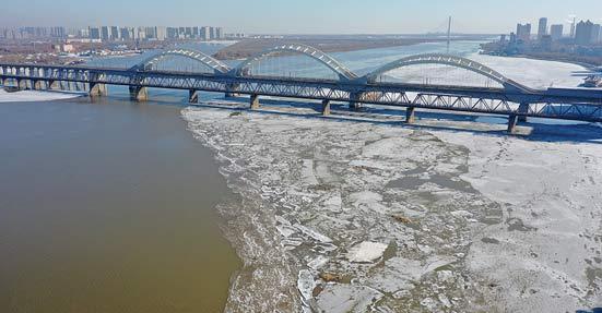 松花江干流哈尔滨段开江 较常年