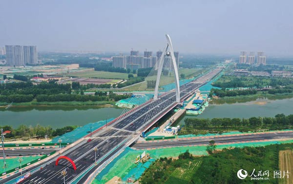 鲁西第一高桥建成通