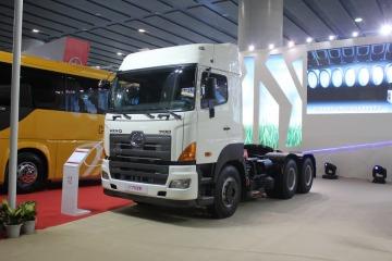 广汽日野 700系列重卡 450马力 6X4 牵引车