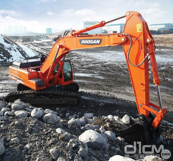 斗山DX420LC矿山型挖掘机