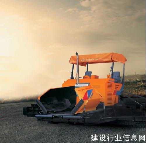 中联重科首台路面多功能JPA90熨平板下